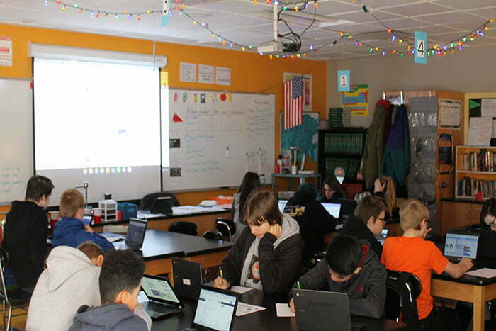 Nearly 1,000 Iowa Junior High Students Learned to Code Today. That's Good News.